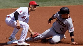 Twins sign shortstop Andrelton Simmons to 1-year deal