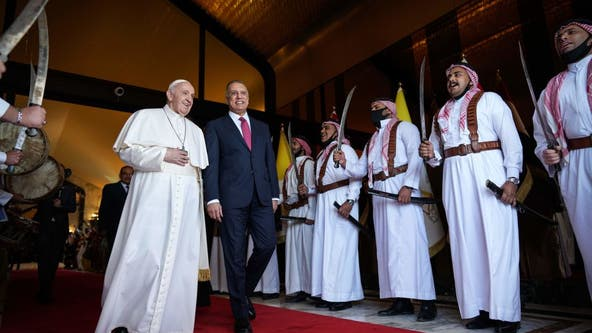 Pope Francis holds historic, symbolic meeting with top Iraq Shiite cleric