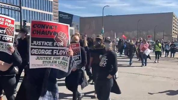Protesters gather in Minneapolis as Chauvin trial begins