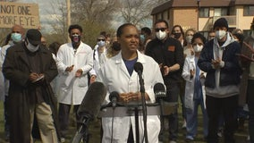 University of Minnesota doctors, medical students rally against use of less-lethal weapons on protesters
