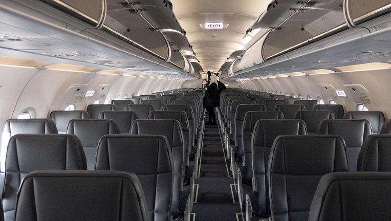 7c82b77a-d3259e8c-airline