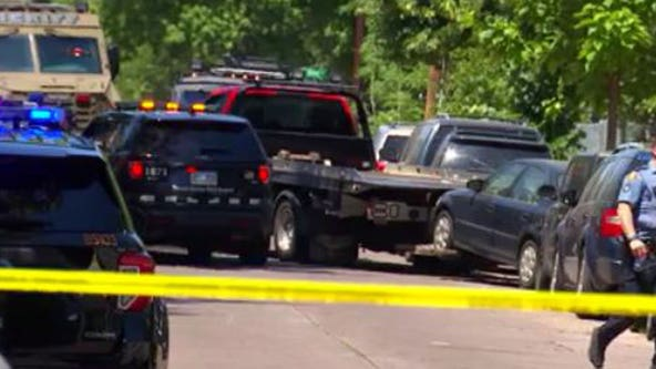 St. Paul robbery suspect in standoff with Minneapolis police after pursuit, crash