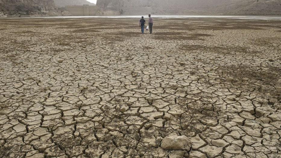 Dry lake bed1