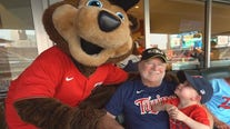 Vietnam veteran with cancer given VIP treatment at Twins game