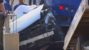 Green Line train strikes car, killing 1 in St. Paul