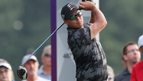 After weather delay, Rickie Fowler among 3 tied for early lead at 3M Open