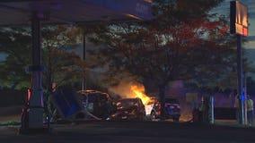 Minneapolis police squad car strikes uninvolved car during pursuit, killing driver