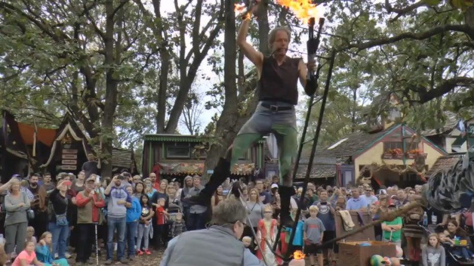 Renfest juggler
