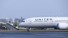 United, Frontier roll out COVID-19 vaccination requirements for workers