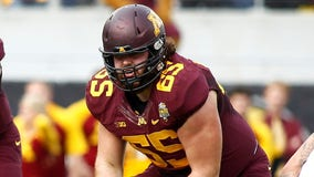 Former Gopher lineman sues over concussion damage