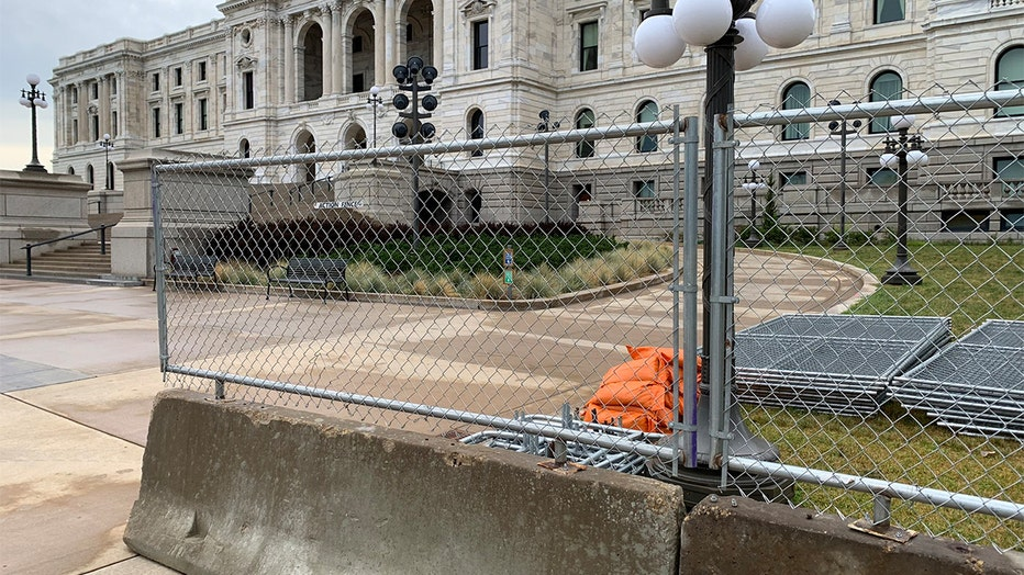 minnesota state capitol fencing 8-24-21