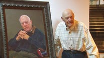 Portrait of legendary Vikings coach Bud Grant presented to historical society