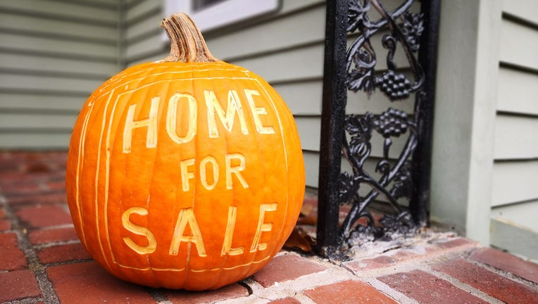 Credible-Housing-inventory-how-to-buy-a-home-this-fall-iStock-1050933328.jpg