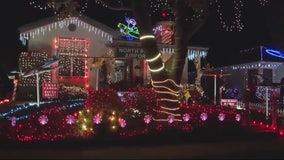 Residents, police want to get organized to avoid chaos on Candy Cane Lane