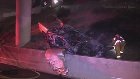 2 killed in fiery crash on freeway transition road