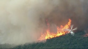 Road closure after 2 separate brush fires scorch hills of Calabasas, Malibu Canyon