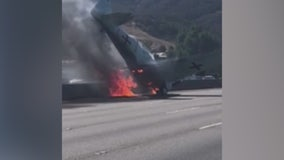 Plane crashes,burns on 101 Fwy near Agoura Hills