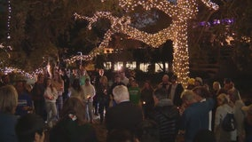 Vigil held in Thousand Oaks for victims of Borderline Bar shooting