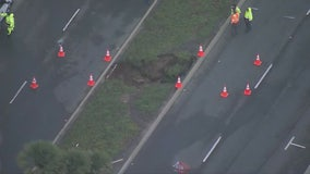 Large sinkhole opens up in Manhattan Beach