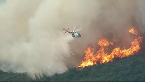 Two separate brush fires scorch hills of Calabasas, Malibu Canyon