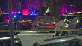 Police search for killer in Glendale shooting