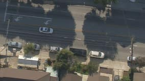 Police pursue white sedan from Azusa to West Covina