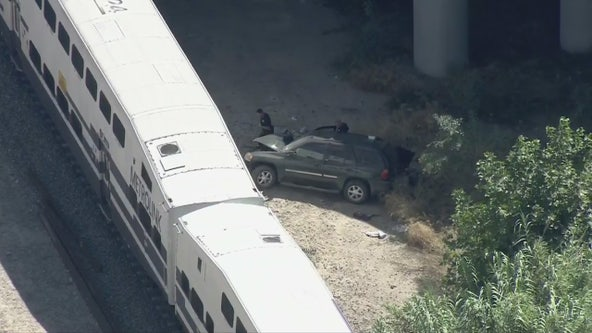 Metrolink train, SUV collision in Granada Hills injures 1 person