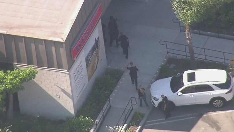 2 people in custody in attempted bank robbery at Glendale