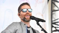 1 killed, 7 injured after bus crashes carrying country singer Josh Turner's road crew