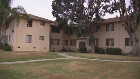 Police investigate shooting at South L.A. apartment complex