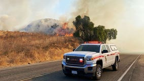 Hill Fire breaks out near 60 Freeway in Jurupa Valley prompting evacuations