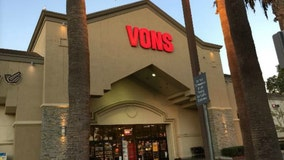 Police investigating string of purse snatching robberies outside Vons in Inglewood
