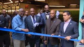 Don't call it `Blue'; Metro unveils renovated `A Line'