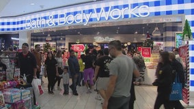 Super Saturday: Last minute holiday shoppers crowd local malls