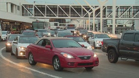 Heavy traffic at LAX as travelers return from Thanksgiving holiday