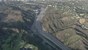 Officials consider toll lanes on 405 Freeway to relieve congestion