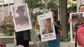 Memorial for recent homeless deaths turns into march on Los Angeles City Hall