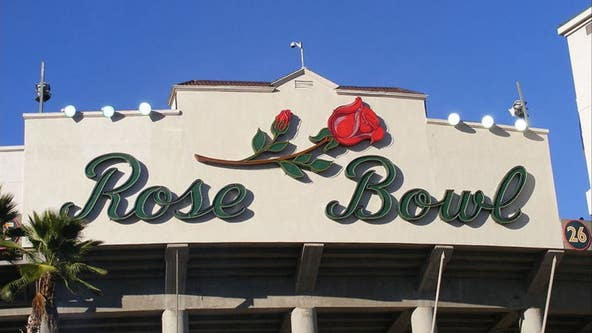 Wisconsin selected to face Oregon in Rose Bowl