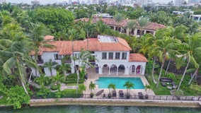 Miami Hot Spots: Get a celebrity house tour by boat