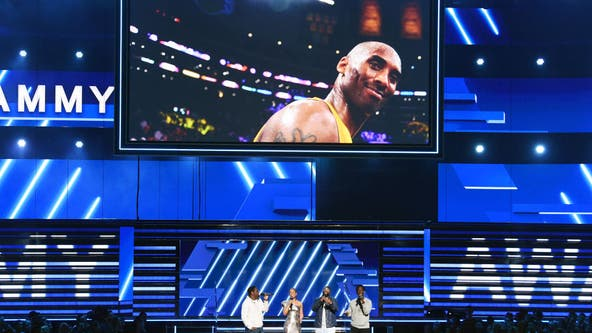Music stars pay tribute to Kobe Bryant at Grammys award show