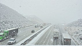 5 Freeway shut down at Grapevine due to snow storm