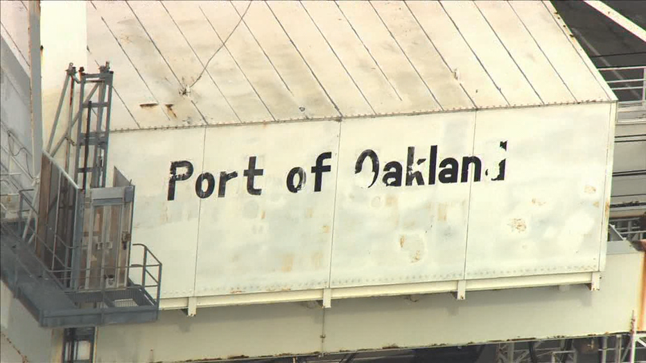 6-PORT-OF-OAKLAND_00.00.40.09.png