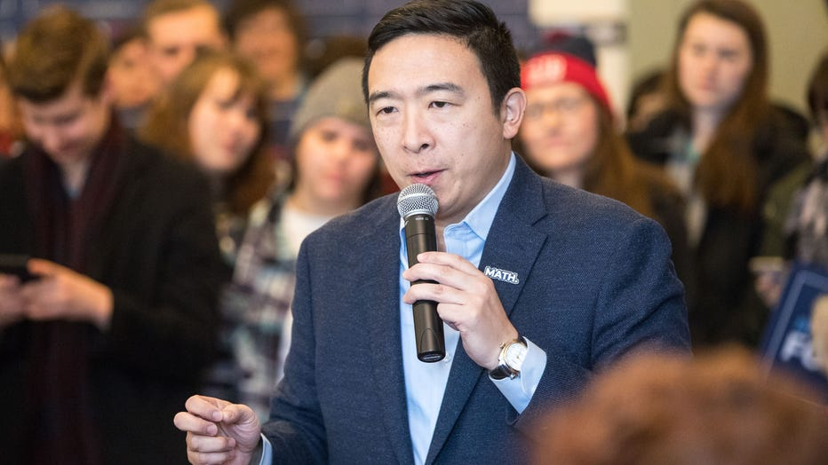 fdf7725e-Presidential Candidate Andrew Yang Campaigns In New Hampshire Ahead Of Primary