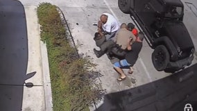 Citizens jump in to help sheriff's deputy make arrest
