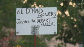 Palmdale community holds rally for Robert Fuller, demanding justice and an arrest in his death