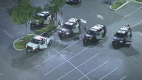 Driver surrenders in Long Beach parking lot after leading deputies on high-speed pursuit