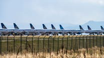 United sending layoff notices to nearly half of US employees