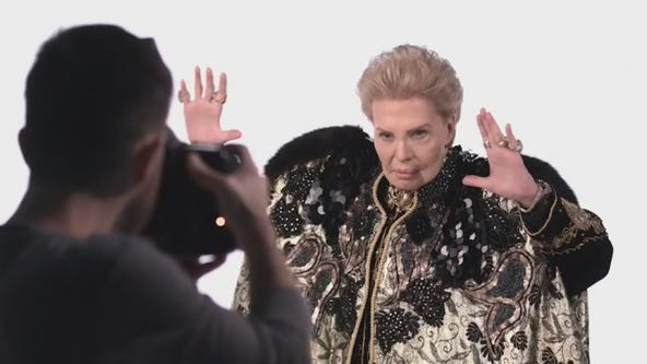 'Mucho Mucho Amor' documentary on late astrologer Walter Mercado now streaming on Netflix