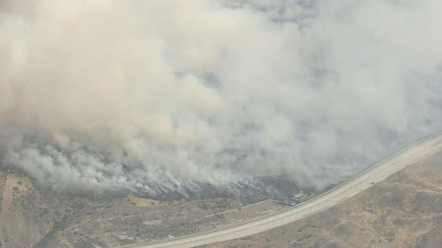 Crews battling massive brush fire near Agua Dulce; Mandatory evacuations underway