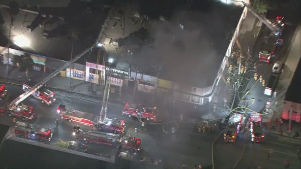 Crews battle fire at commercial structure in Hollywood
